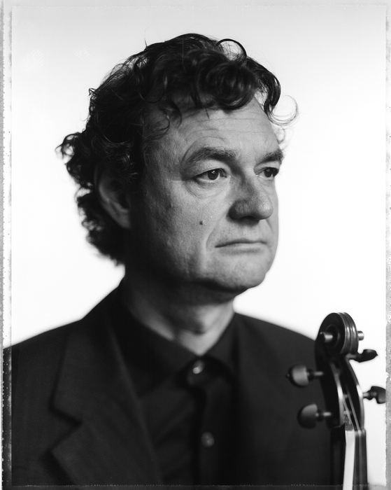 modern-string-quartet-solo-10-felix-broede