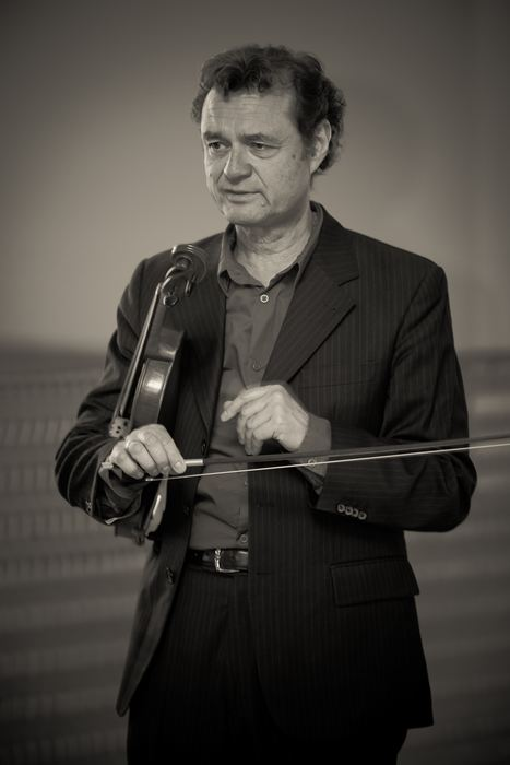 modern-string-quartet-solo-4