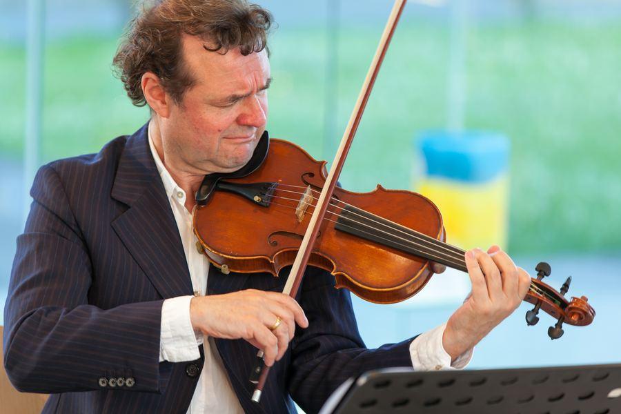 modern-string-quartet-solo-7